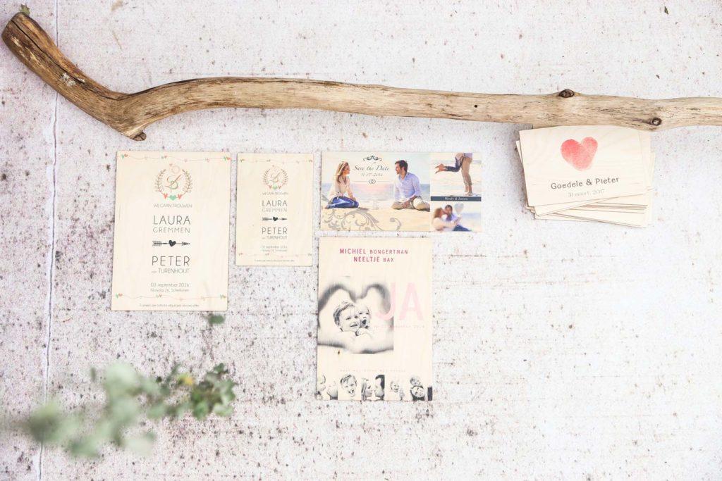trouwkaart van hout