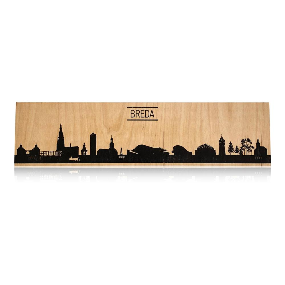 Typisch Breda de skyline op berkenhout